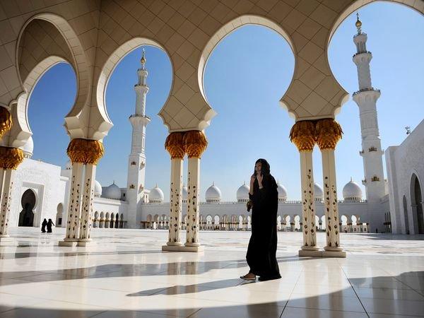 abu dhabi 01 10 Cool Things About Abu Dhabi