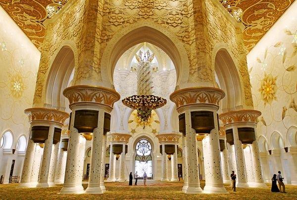 abu dhabi 02 10 Cool Things About Abu Dhabi