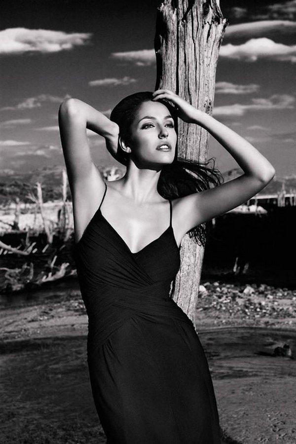 black and white 29 Black & White Beautiful Ladies