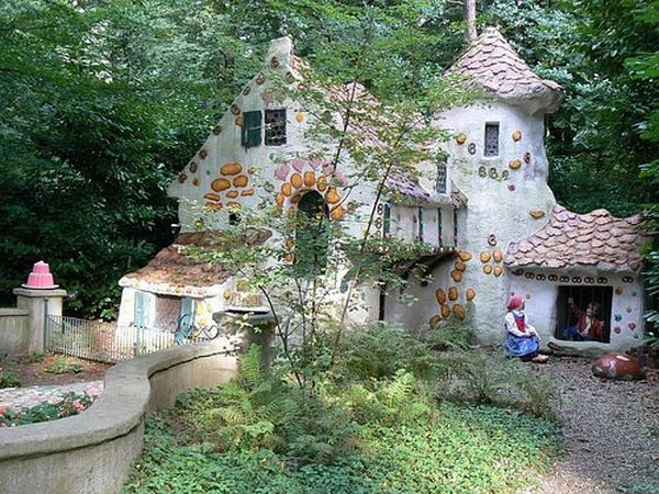 fairytales houses 03 Beautiful Fairy Tales House Designs