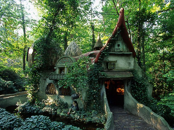 fairytales houses 06 Beautiful Fairy Tales House Designs