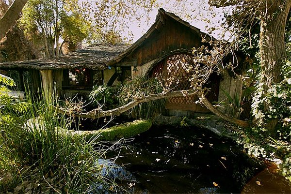 fairytales houses 07 Beautiful Fairy Tales House Designs