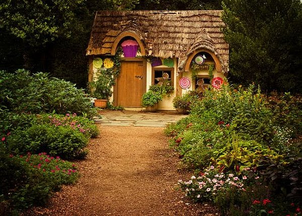 fairytales houses 18 Beautiful Fairy Tales House Designs