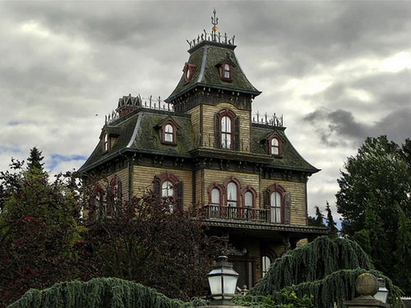 fairytales houses 19 Beautiful Fairy Tales House Designs