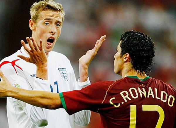 football 10 Funny Football Moments