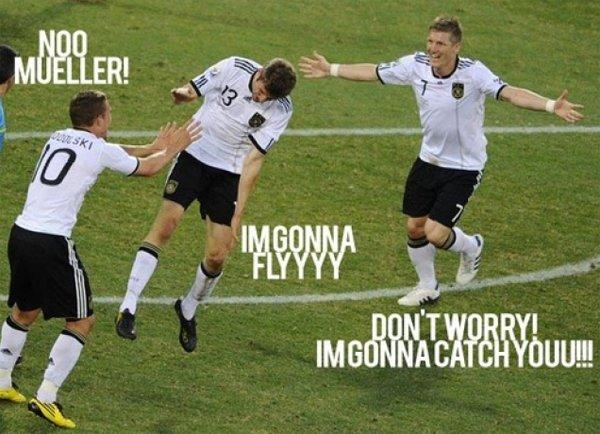 football 15 Funny Football Moments