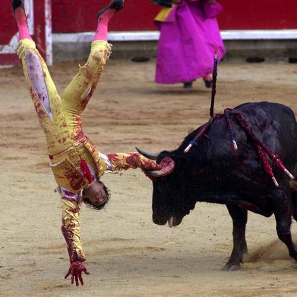 matador spain 05 Dramatic Moments When Matadors Get Gored by a Bull