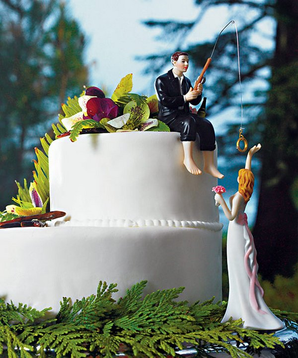 wedding cake 08 25 Funny Ways to Decorate Your Special Wedding Cake