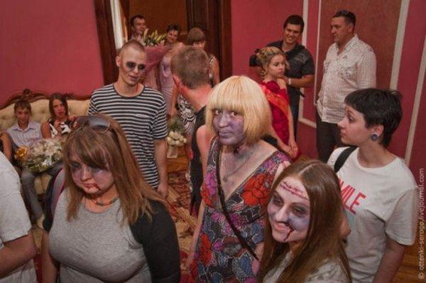 zombie 13 Zombie Wedding