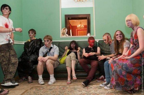zombie 16 Zombie Wedding