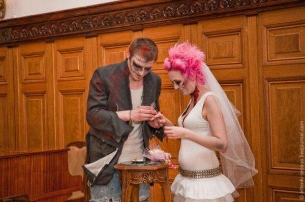 zombie 24 Zombie Wedding