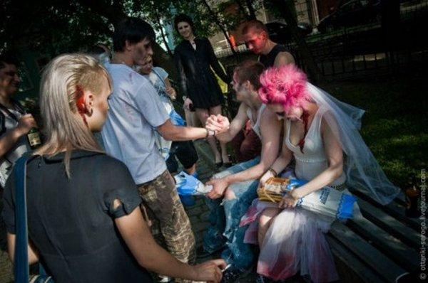 zombie 36 Zombie Wedding