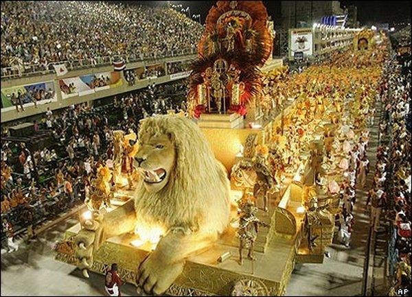 carnival rio de janeiro 01 Brazils Carnival Madness