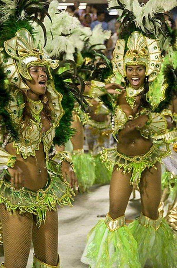 carnival rio de janeiro 04 Brazils Carnival Madness