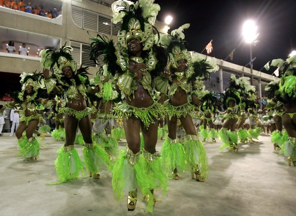 carnival rio de janeiro 05 Brazils Carnival Madness
