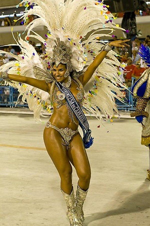 carnival rio de janeiro 09 Brazils Carnival Madness