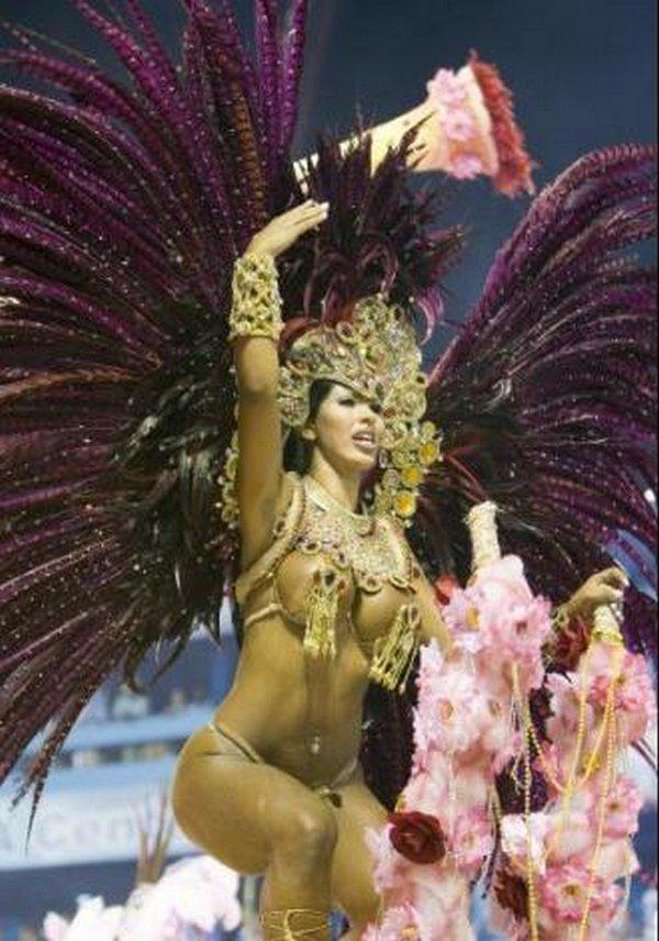carnival rio de janeiro 13 Brazils Carnival Madness