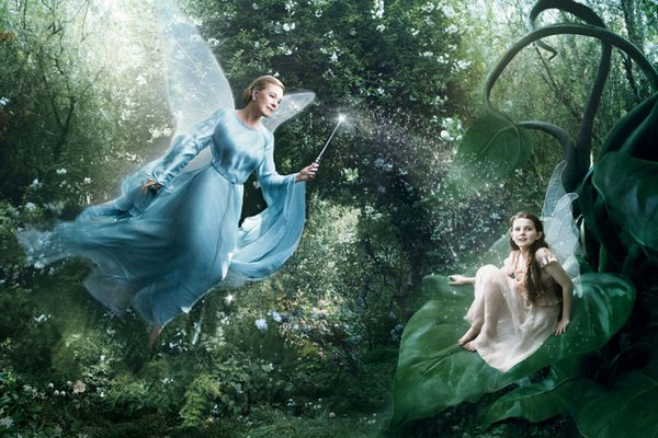 celebrities fairytales 07 Celebrity Fairy Tales by Annie Leibovitz