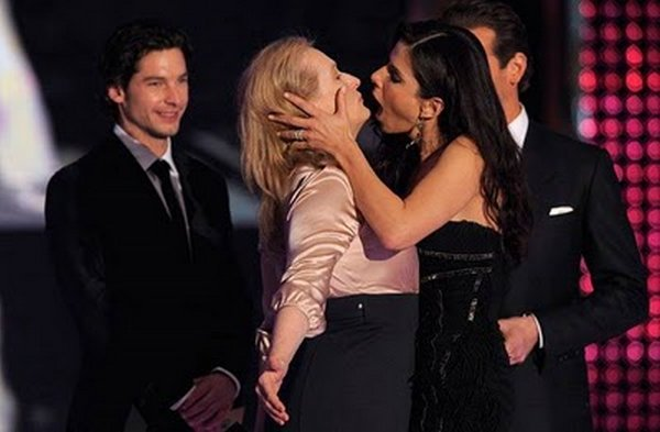 scandal kisses 18 Scandal Celebrities Kisses