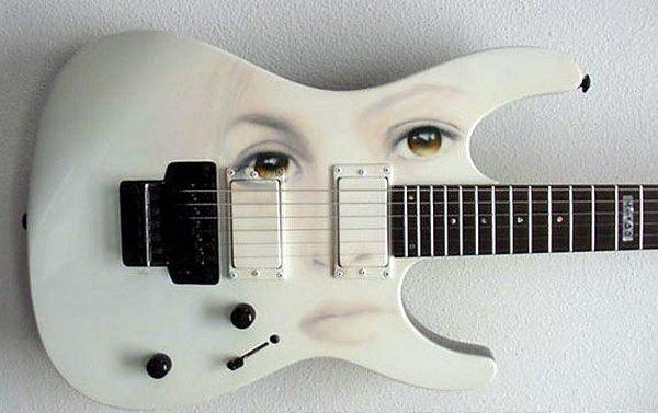 weird guitars 28 30 Most Bizarre & Weirdest Guitars Ever
