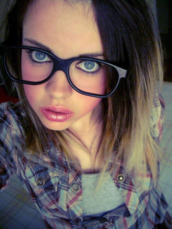 glasses girls 14 Pretty Women Who Rock The Pretty Librarian Glasses Look