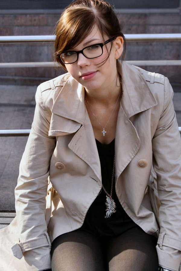 glasses girls 15 Pretty Women Who Rock The Pretty Librarian Glasses Look
