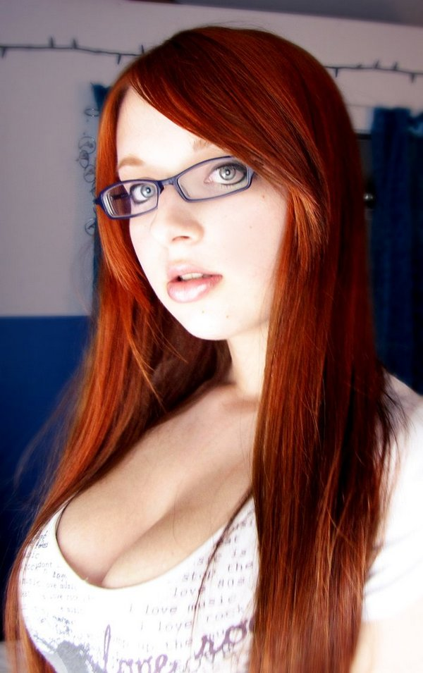 glasses girls 16 Pretty Women Who Rock The Pretty Librarian Glasses Look