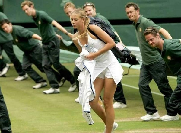 right time photos 13 Funny Photos Captured In The Right Time