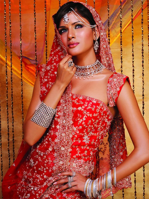 indian brides 10 Lovely & Gorgeous Beauty Of Indian Brides