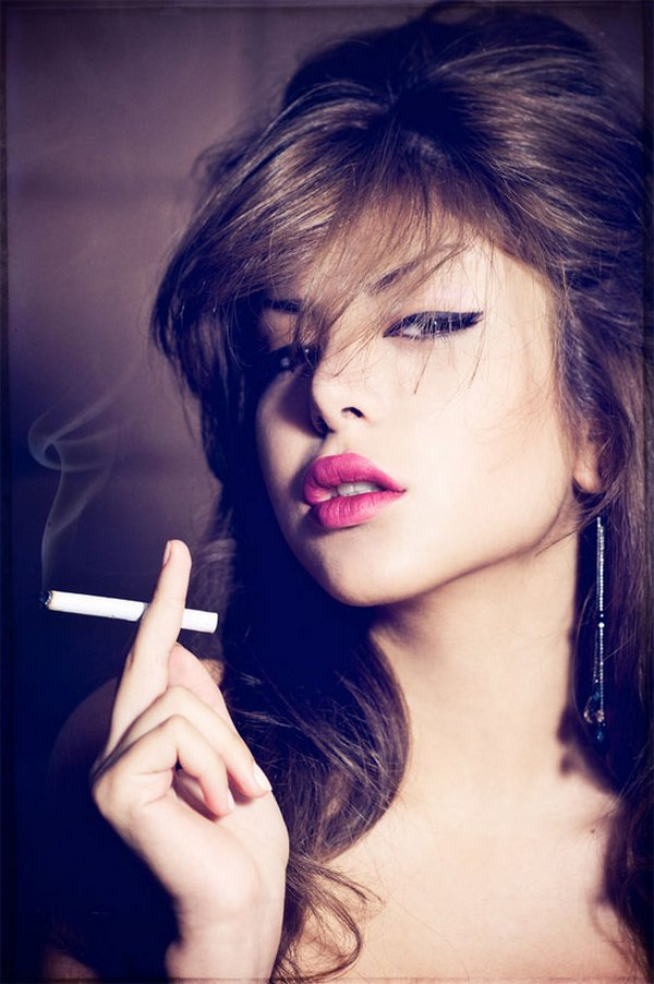 smoking women 01 Smoking Women: Hot Or Not?