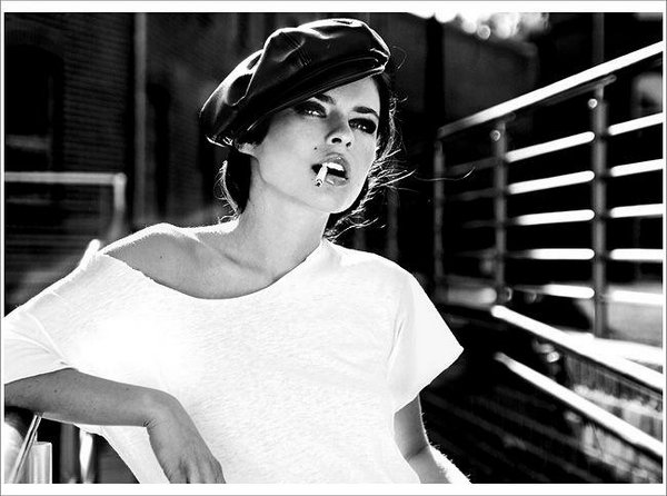 smoking women 03 Smoking Women: Hot Or Not?
