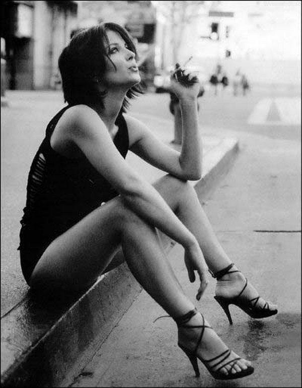 smoking women 11 Smoking Women: Hot Or Not?