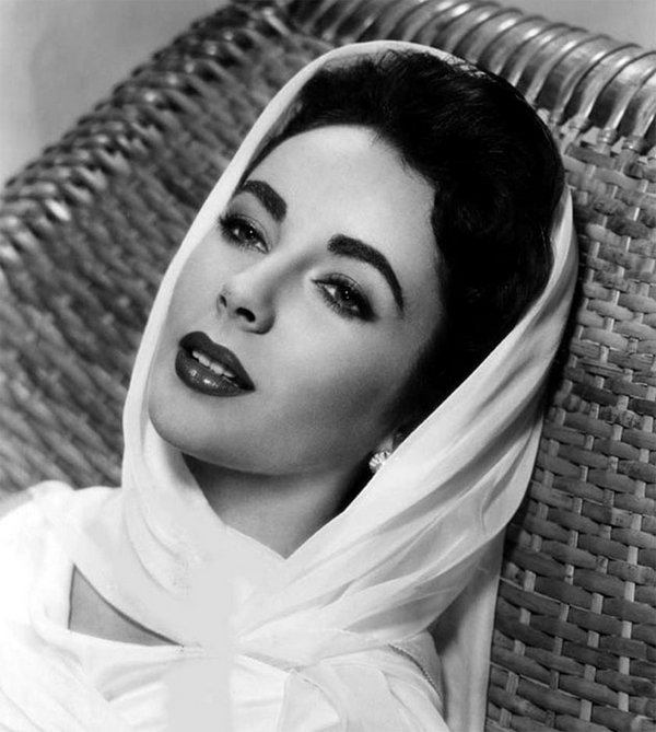 beauties by people com 05 Top 35 Most Beautiful Hollywood Beauties Through The Decades By People.com