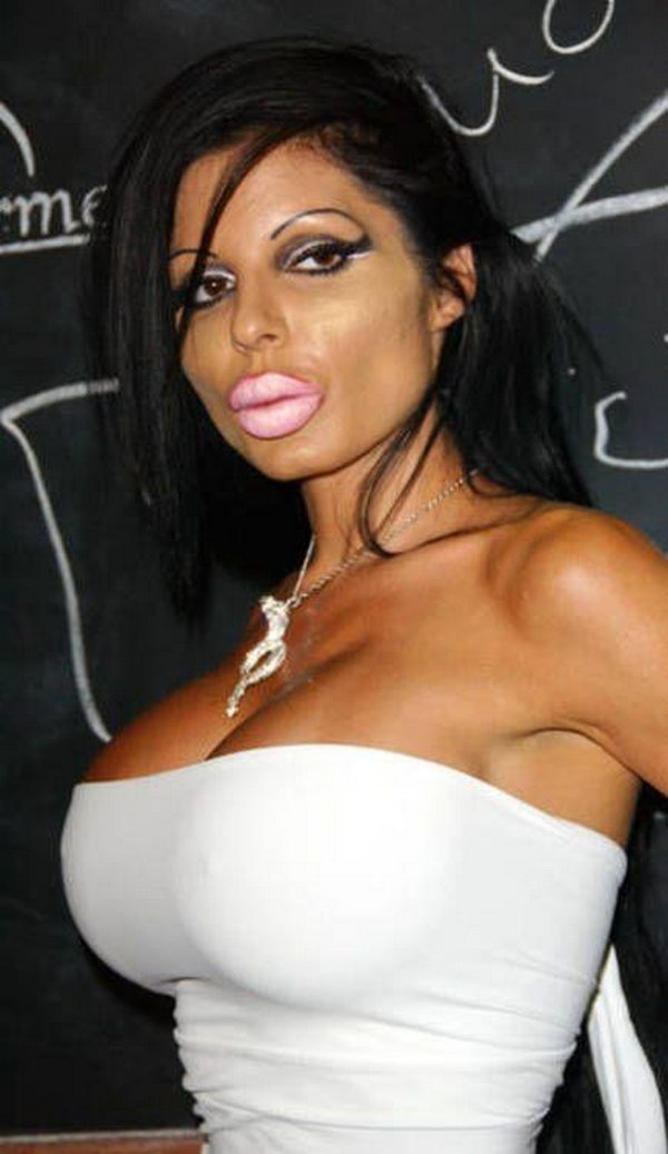 freakish girls 10 Freakish Girls Blessed With Plastic Surgery   Scary!
