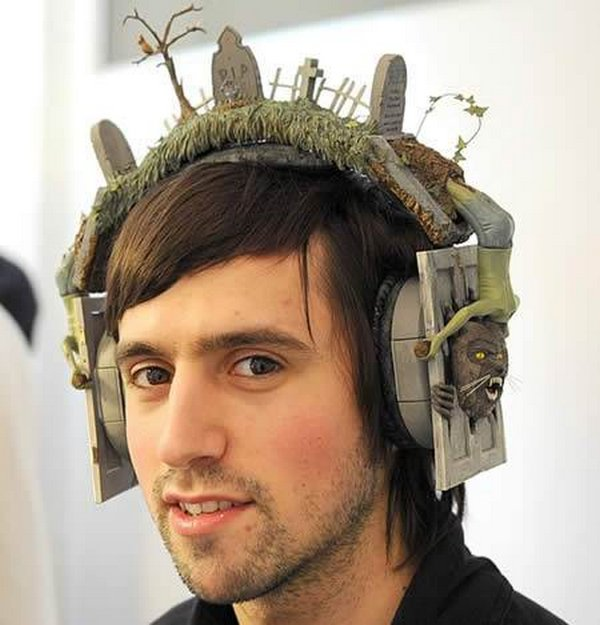 headphones designs 01 12 Hilarious & Unusual Headphones Designs