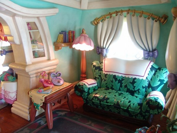 real house inspired by cartoons 08 10 Amazing Houses Inspired By Favorite Cartoons