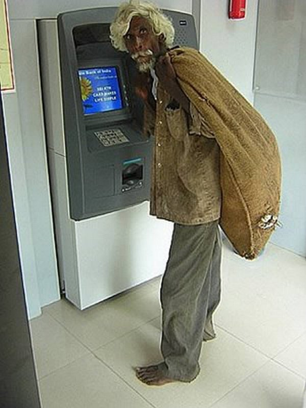 strange people at atm 10 10 Strangest People At ATMs