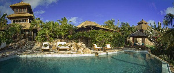 sir richard bransons necker island 16 Want To Go To A Isolated Island?