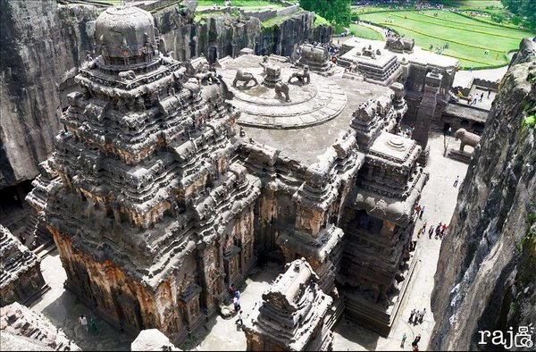 temples of india 03 Amazing Cliff Temples of India   The Ellora Caves