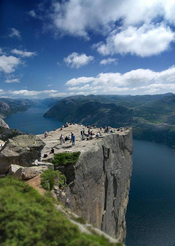 the craziest cliffs in norway 01 The Craziest Cliffs In Norway