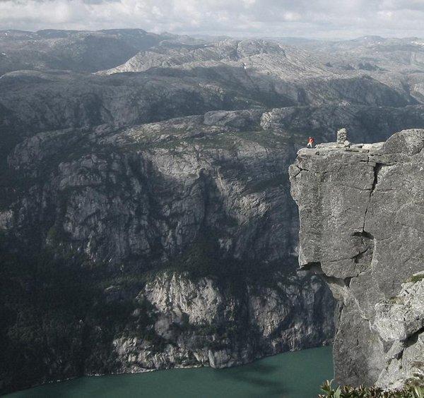 the craziest cliffs in norway 03 The Craziest Cliffs In Norway
