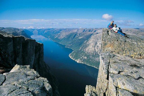 the craziest cliffs in norway 05 The Craziest Cliffs In Norway