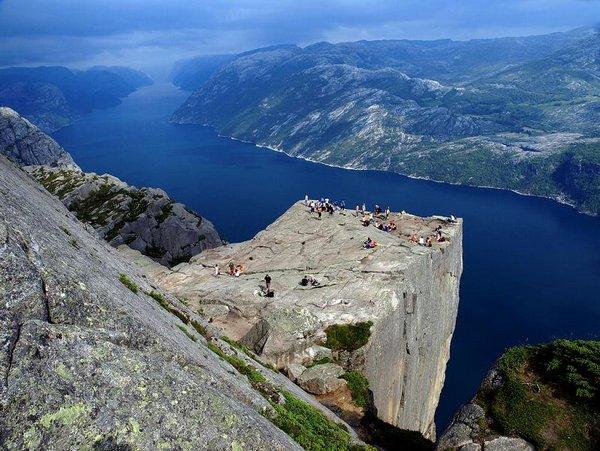 the craziest cliffs in norway 06 The Craziest Cliffs In Norway