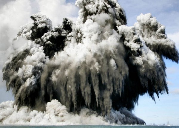 volcanic eruptions 12 20 Most Incredible Photos Of Volcanic Eruptions
