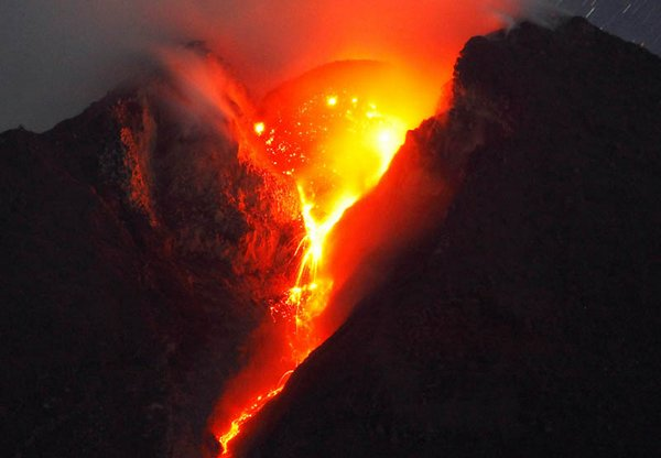 volcanic eruptions 13 20 Most Incredible Photos Of Volcanic Eruptions