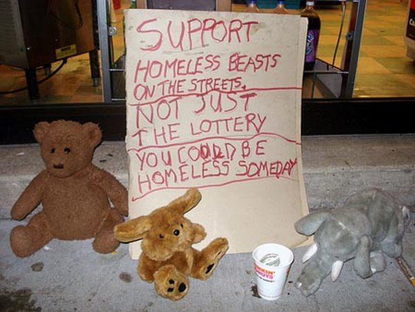 homeless signs 04 Creative Hilarious But Sad Homeless Signs