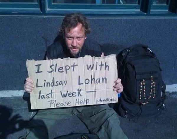 homeless signs 05 Creative Hilarious But Sad Homeless Signs