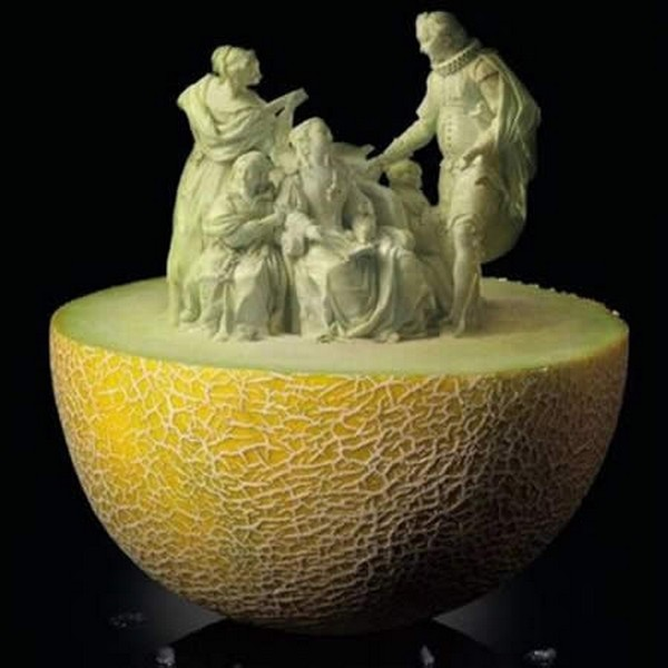amazing fruit 04 10 Amazing Edible Sculptures Carved In Fruit
