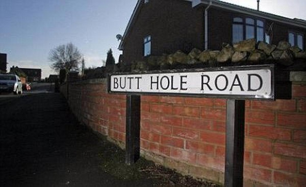 funny street name signs 05 Impossible Sign Posts Found In Our Streets