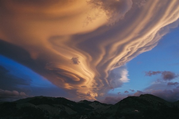 insane cloud formations from around the world 07 Top 10 Insane Cloud Formations From Around The World